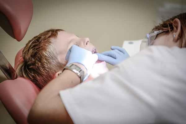 Aparat ortodontyczny – czy warto go założyć?