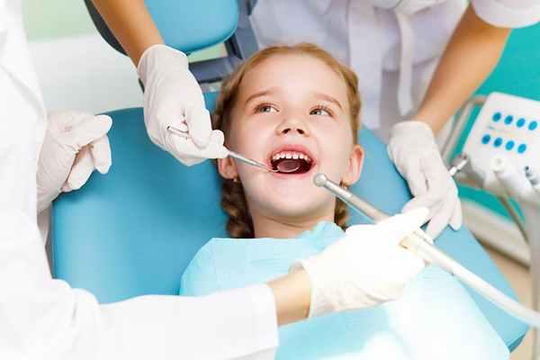 Jak przekonać dziecko do wizyty u dentysty?