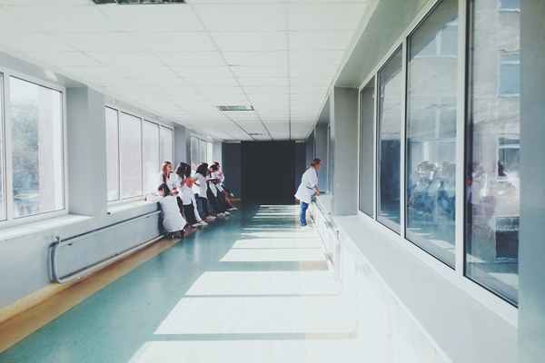 Profesjonalne wózki medyczne
