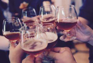 Wpływ uzależnienia od alkoholu na pracę zawodową. O tym nie wiedziałeś!