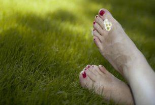 Krem z mocznikiem do pięt ratunkiem dla twoich stóp