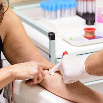 Wiceminister zdrowia: apelujemy o oddawanie krwi, zapasy zmniejszają się do poziomów wakacyjnych